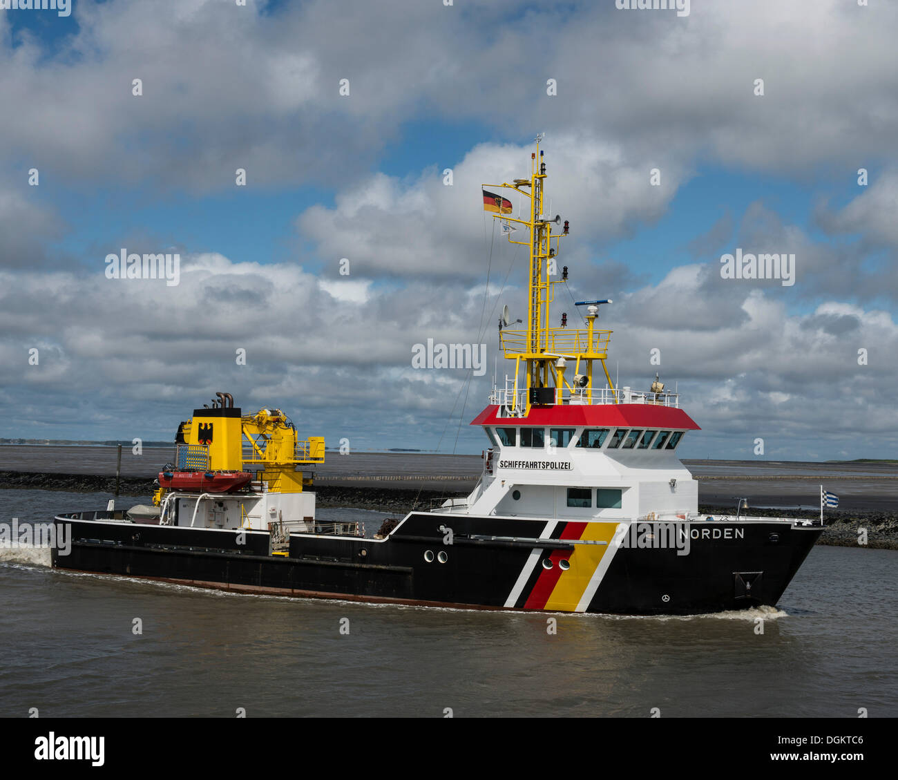 Polizia Marittima barca, Norden, Bassa Sassonia il Wadden Sea, Norddeich, Frisia orientale, Bassa Sassonia Immagini Stock