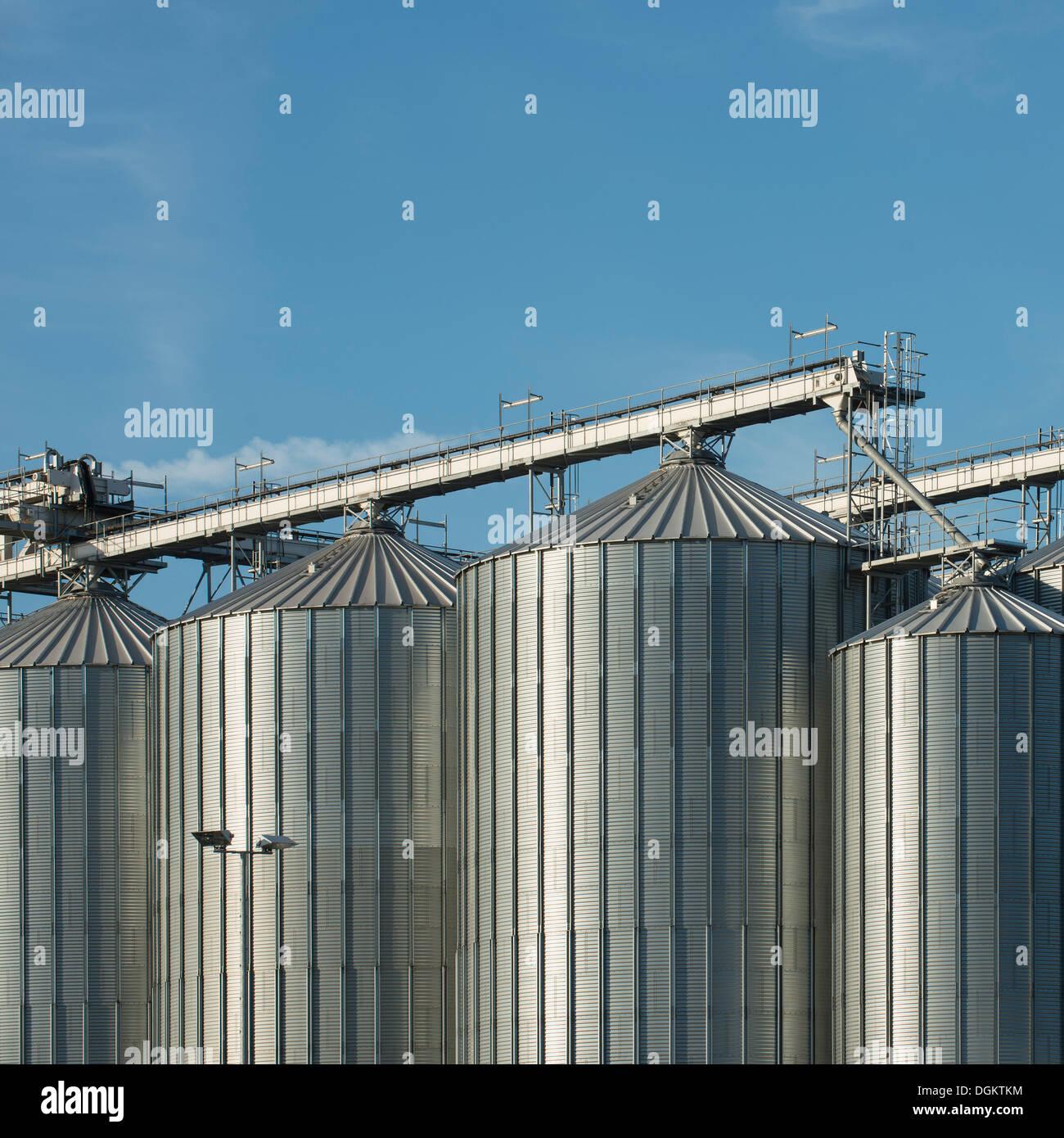 Silos di stoccaggio in bulk, impianti industriali, Coblenza, Renania-Palatinato, PublicGround Immagini Stock