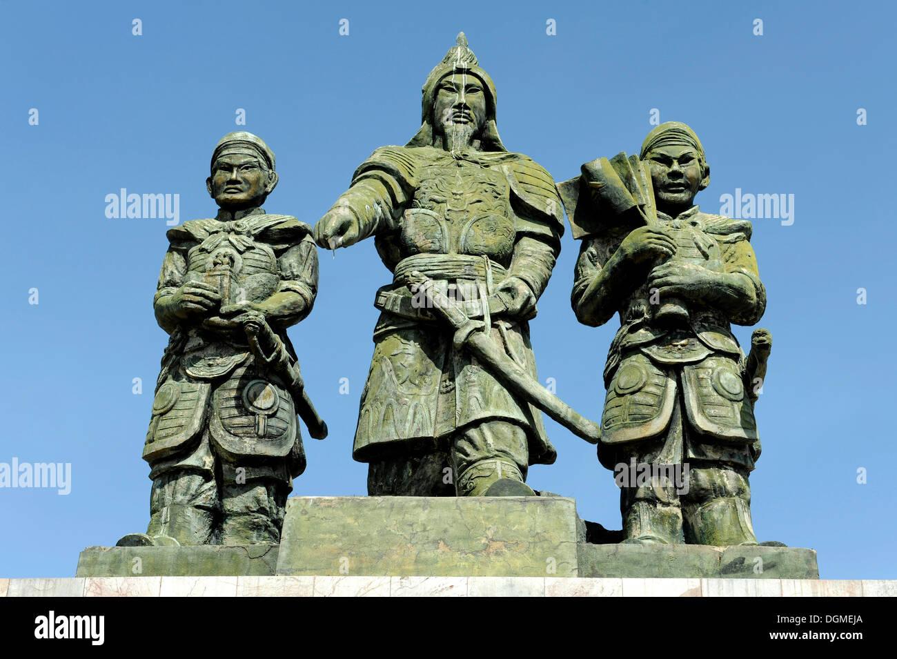 Statue del generale Tran Hung Dao, ancora Kieu e Da Tuong, Phan Thiet, Vietnam del sud, sud-est asiatico Immagini Stock