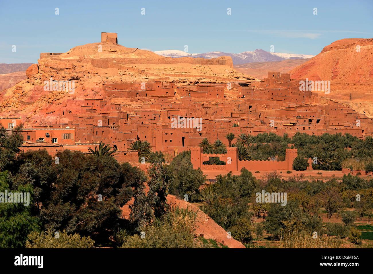 Ksar Ait Benhaddou o Ait Ben Haddou, villaggio di montagna noto come un set cinematografico ai piedi dell'Alto Atlante, Foto Stock