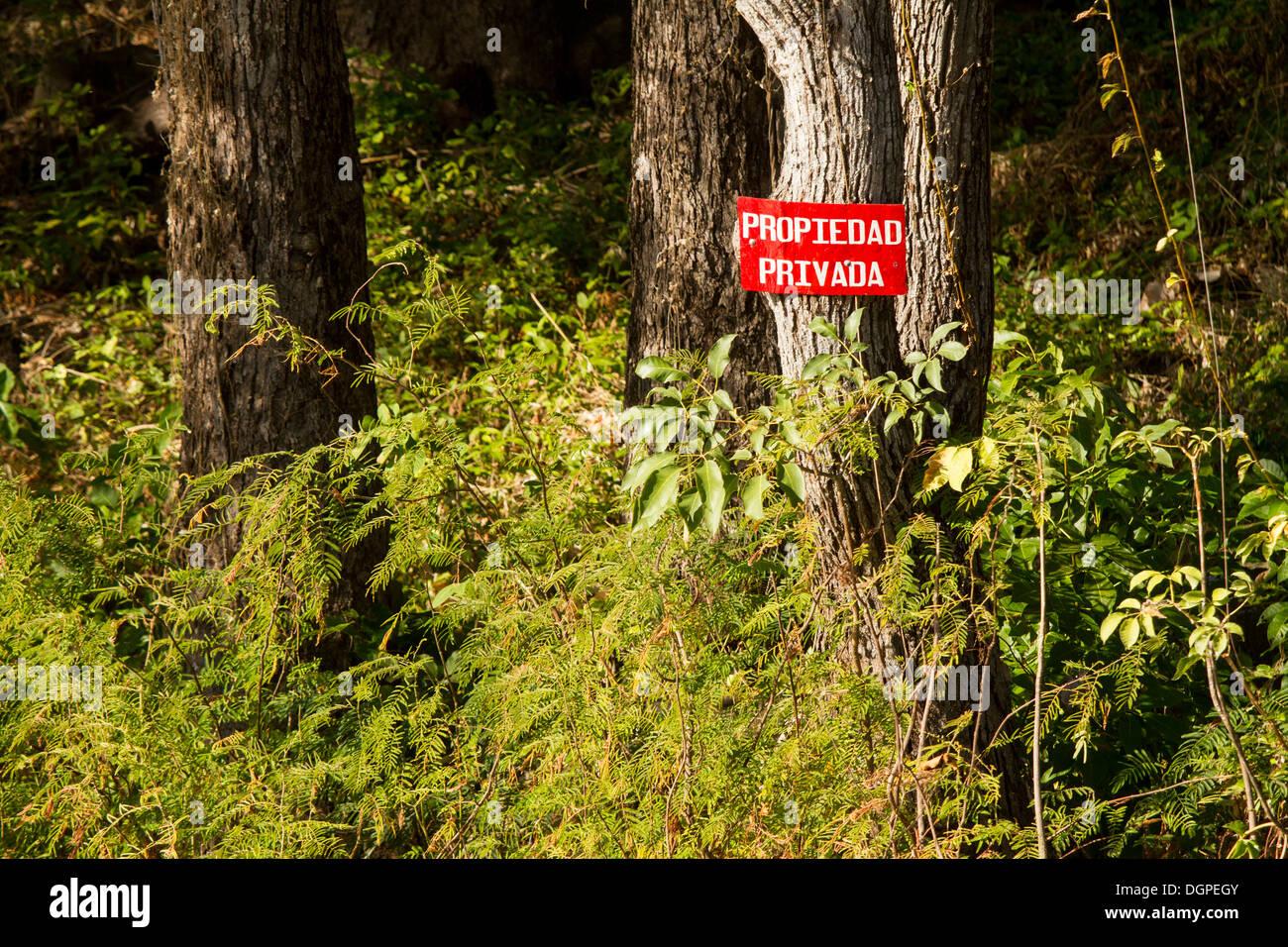 La proprietà privata cartello in isolotti di Granada, Nicaragua. Immagini Stock