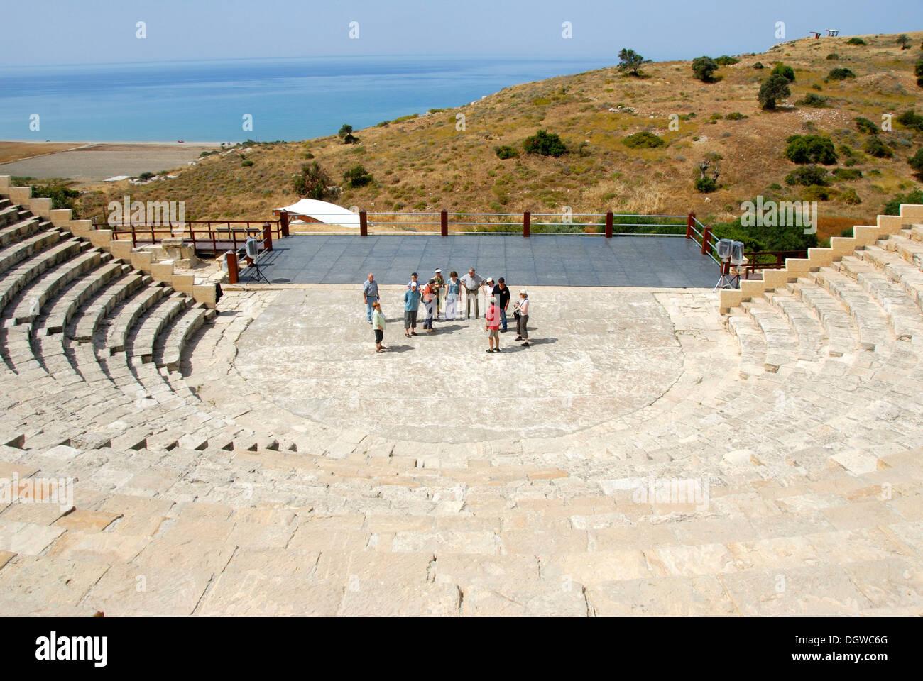 Viaggi di gruppo, viaggi di studio, archeologia, antichità, sito archeologico, teatro greco-romano, Kourion, Immagini Stock