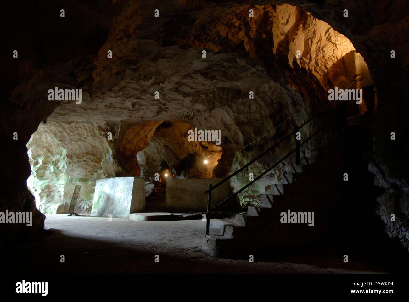 Grotta della resistenza comunista fighters Pathet Lao, Tham di Khamtai Siphandon, ex sede del Popolo Lao's Immagini Stock