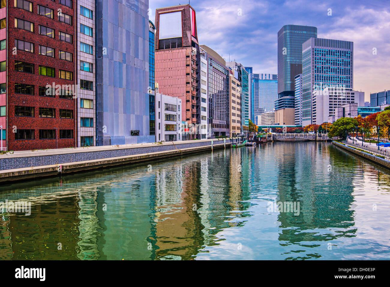 Vista sul fiume di Osaka in Giappone. Immagini Stock