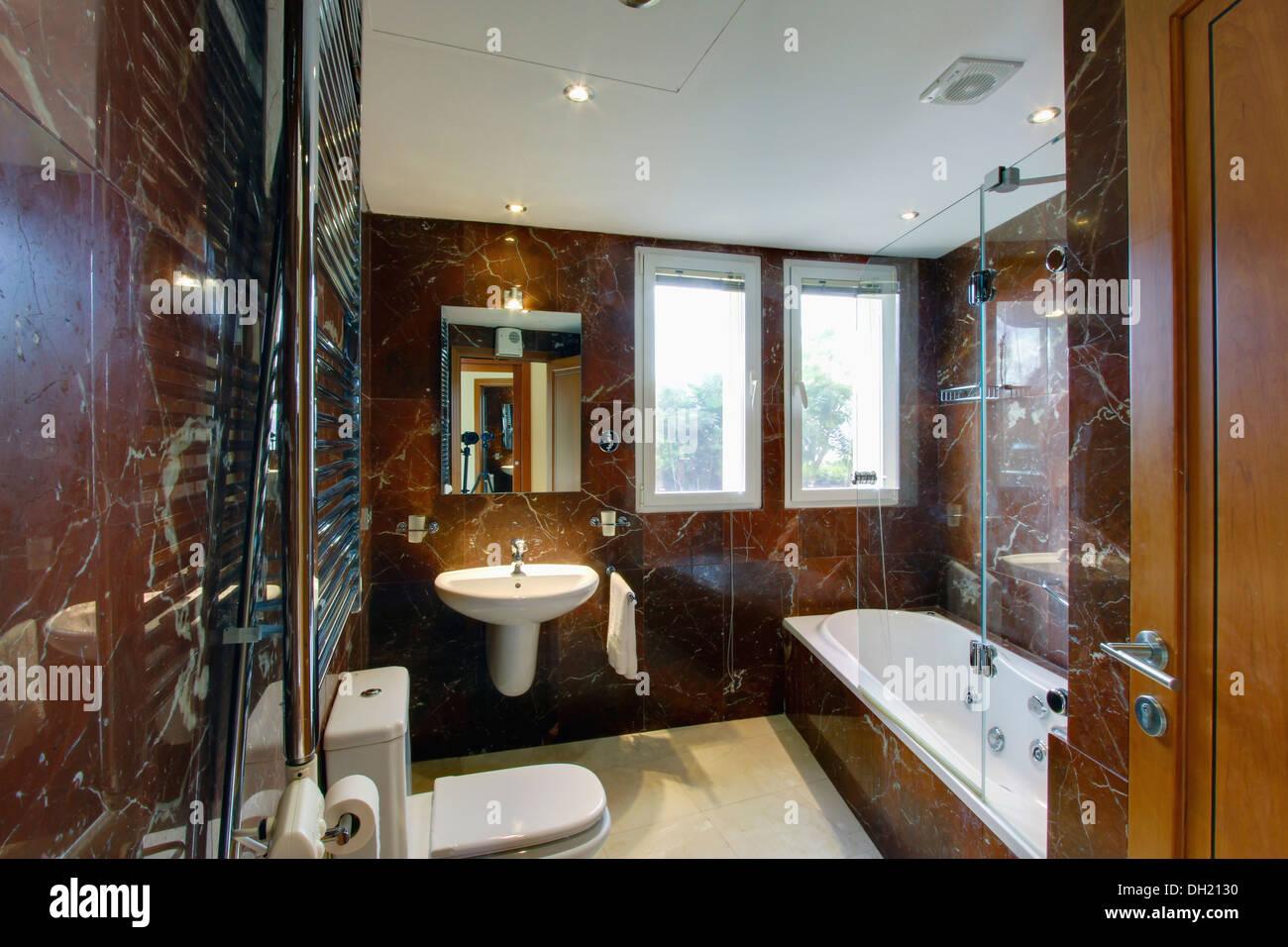 Bagno Marrone Moderno : Moderno in marmo marrone spagnolo bagno con specchio illuminato