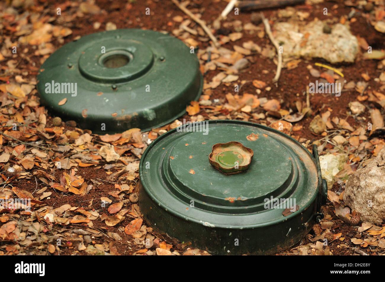 La M15 mine è una circolare grande U.S. anti-serbatoio miniera blast, Mleeta, Hezbollah Museum, il Sud del Libano. Immagini Stock