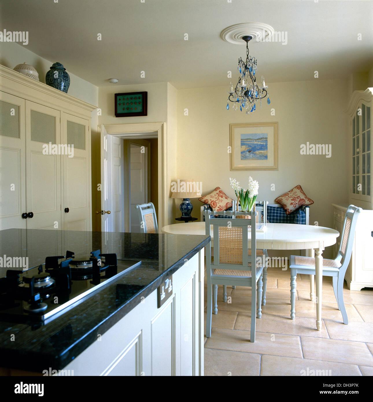 Tavolo Cucina Con Piano In Granito.Unita Di Isola Con Piano Cottura A Gas Impostati Nel Piano