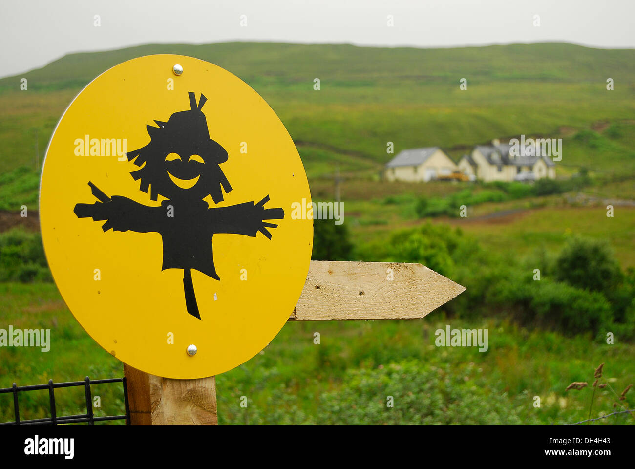 Cartello de espantapájaros en Skye Foto Stock