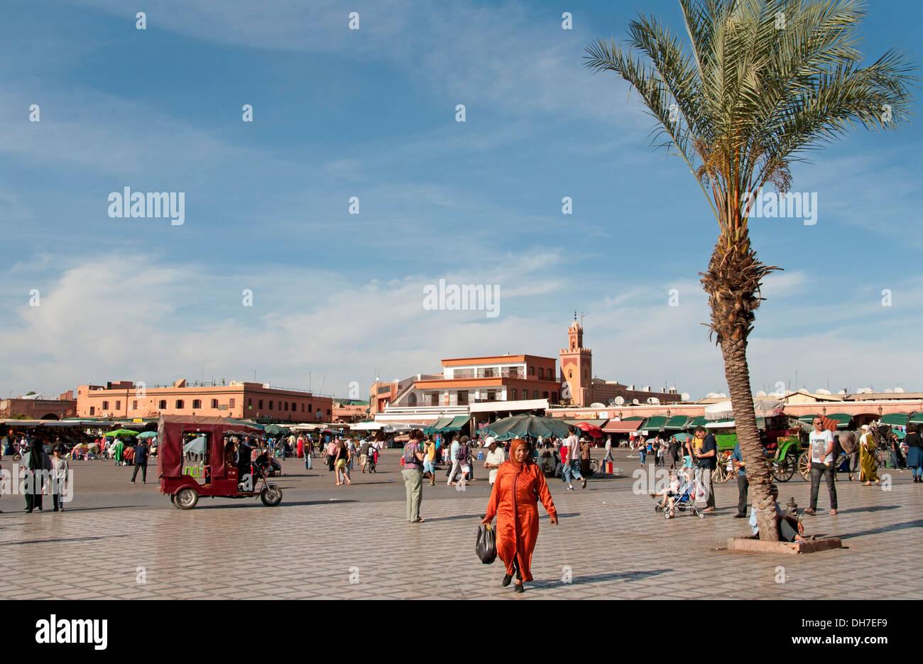 Jamaa el Fna è un quadrato e la piazza del mercato della Medina di Marrakesh trimestre (città vecchia) Marocco Immagini Stock