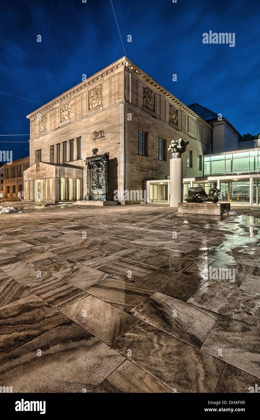 Kunstmuseum di Zurigo di notte. La Svizzera. Immagini Stock
