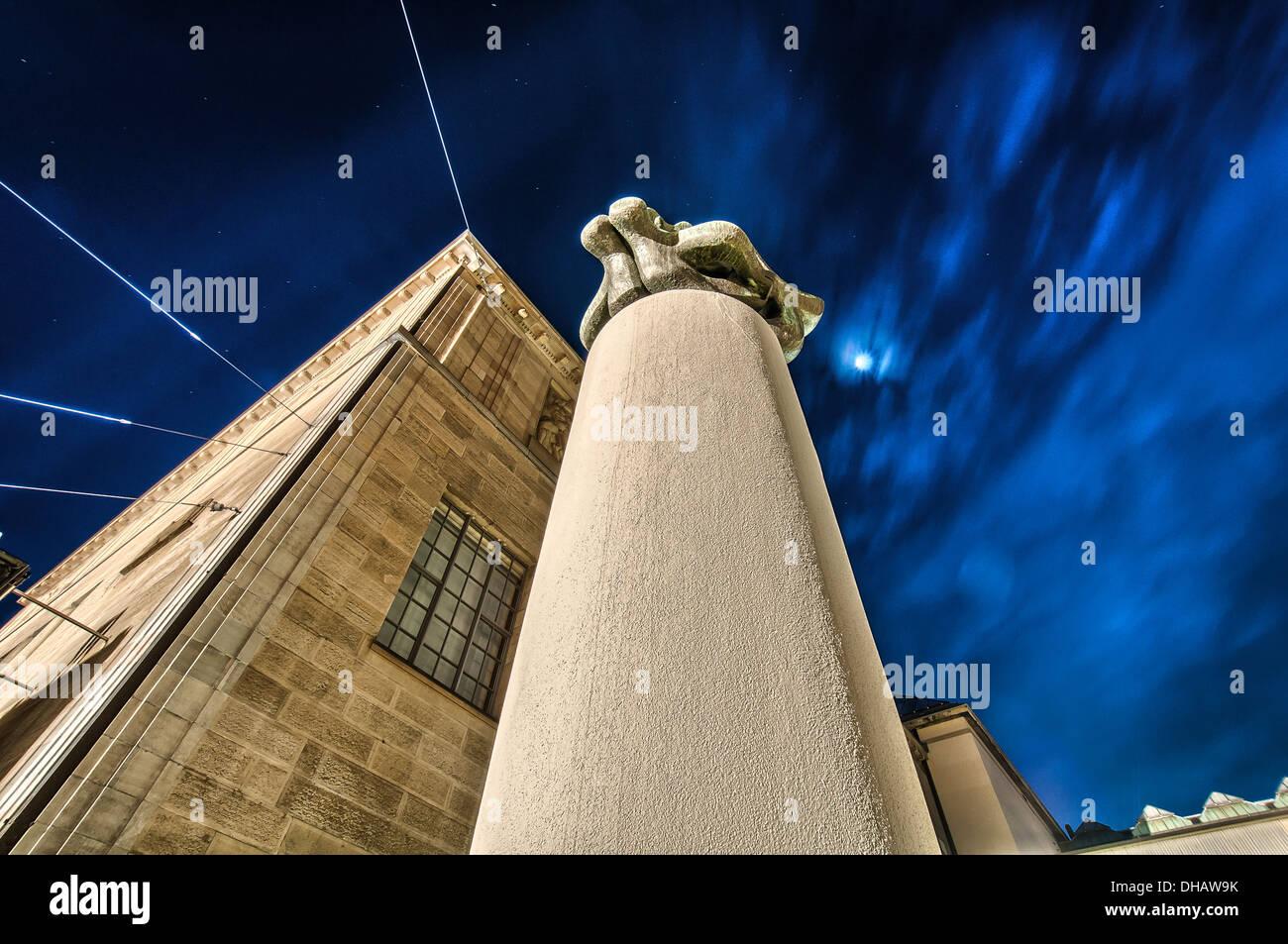 Kunstmuseum di dettaglio a Zurigo per la notte. La Svizzera. Immagini Stock