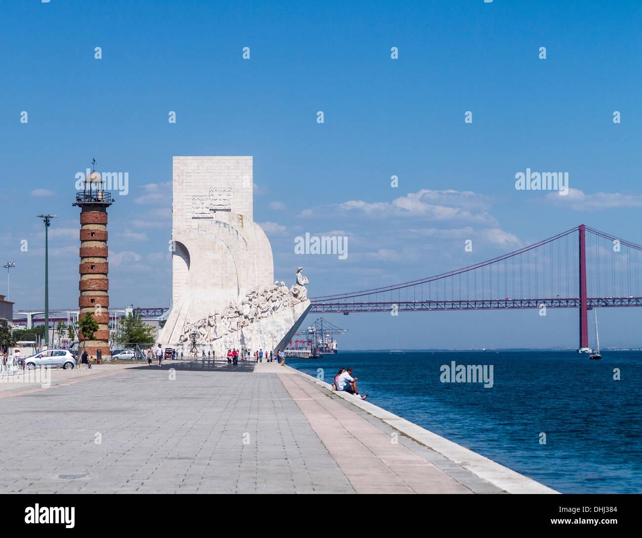 Il Monumento delle Scoperte / Padrao dos Descobrimentos statua e Memoriale di Belem, Lisbona, Portogallo Immagini Stock