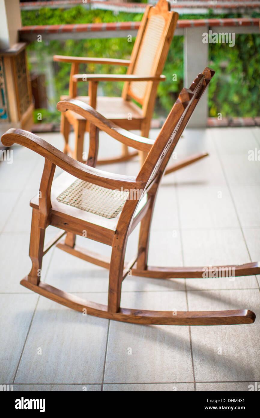 Sedie A Dondolo Per Terrazzo in legno sedia a dondolo sulla terrazza di un hotel esotici