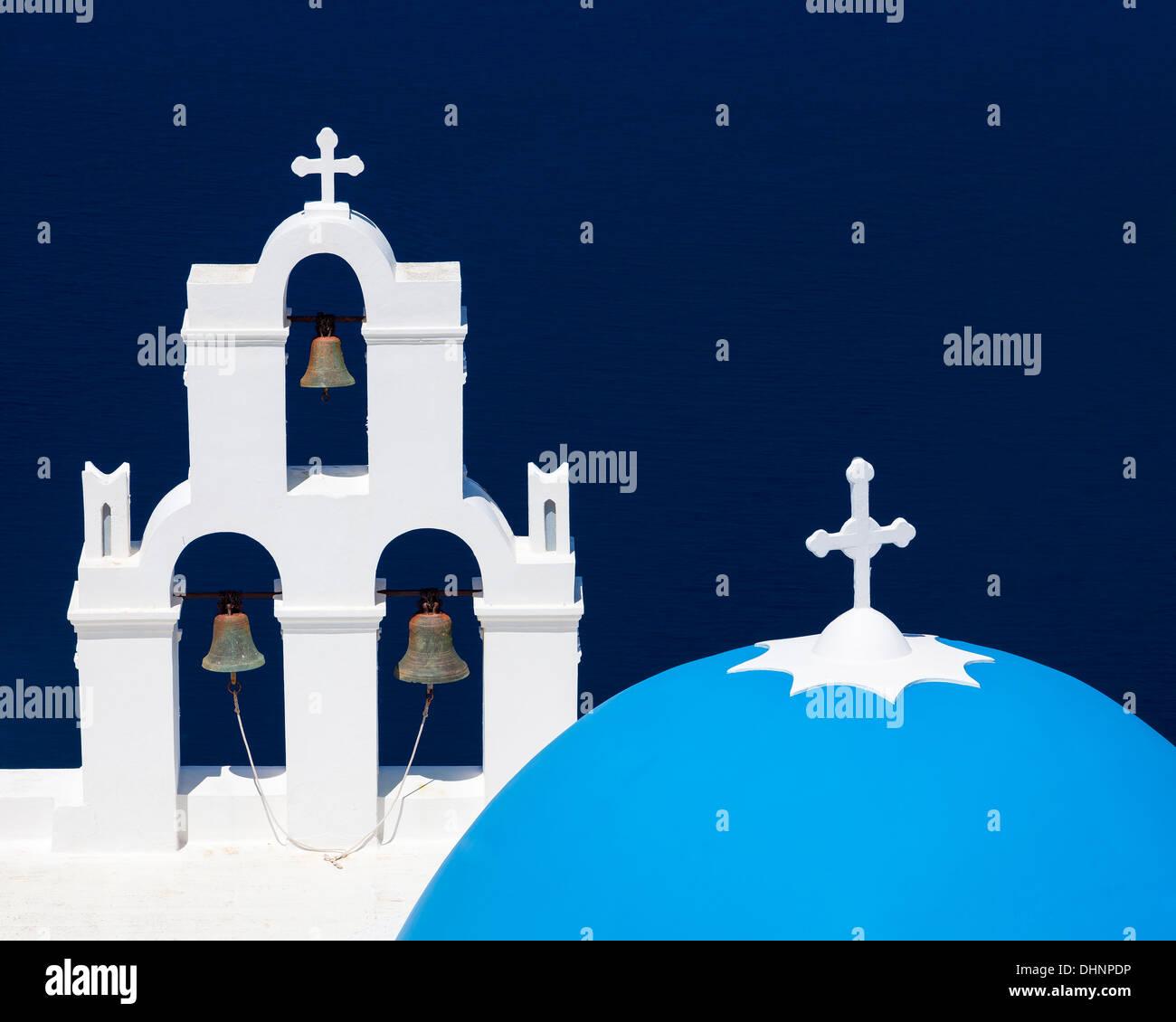 Cupola blu chiesa a Firostefani vicino a Fira a Thira isola Santorini Grecia Immagini Stock