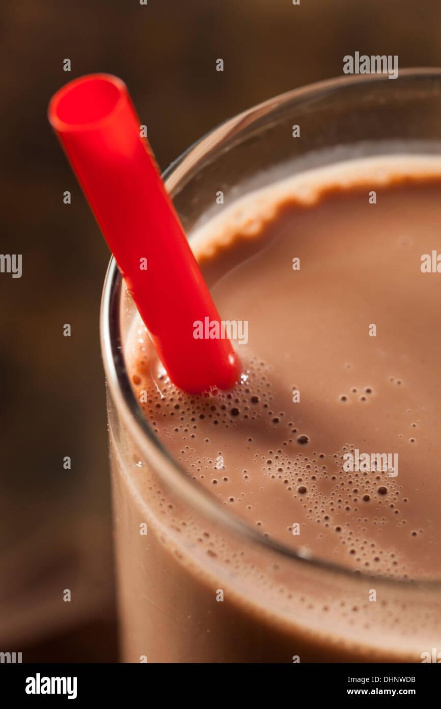 Aggiornamento delizioso cioccolato al latte con cacao reale Immagini Stock