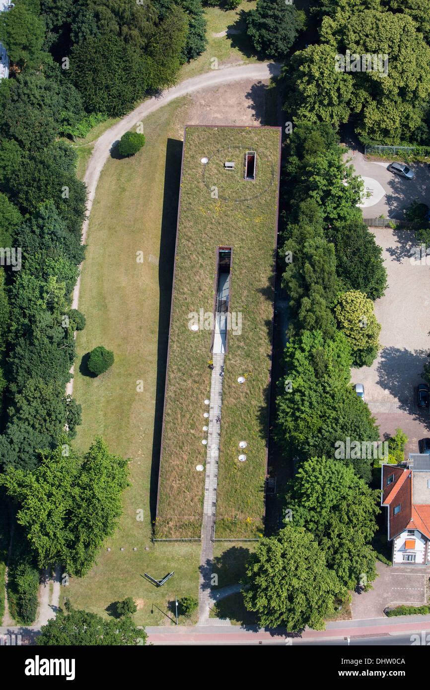Paesi Bassi, Hilversum, area per cross media chiamato Mediapark. Giardino sul tetto studio. Antenna Immagini Stock