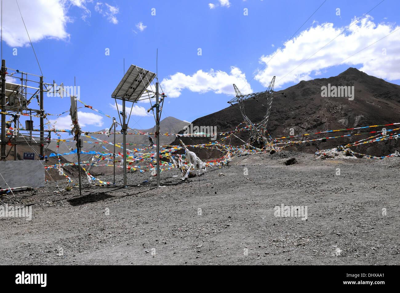 La tecnologia e la convinzione in Tibet la Cina Immagini Stock