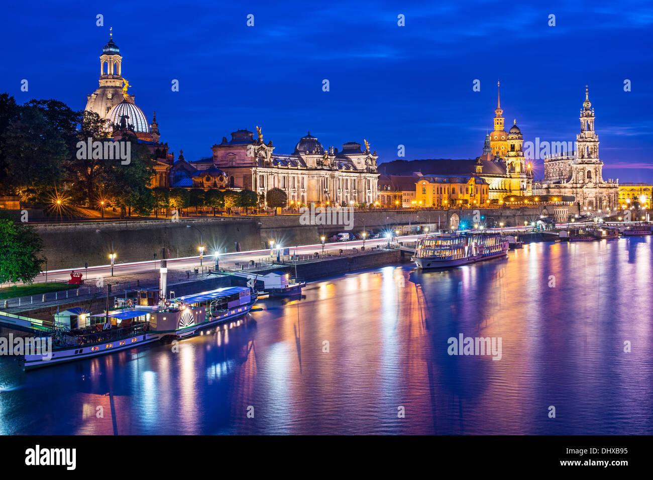Dresden, Germania cityscape oltre il Fiume Elba. Foto Stock