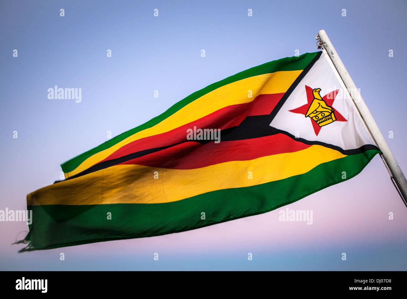 Bandiera dello Zimbabwe Immagini Stock