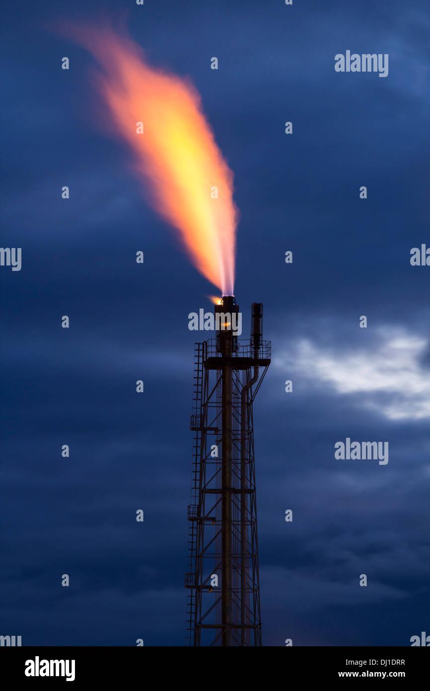 Bruciatore a fiamma viva di gas a Billingham complesso chimico. Regno Unito Foto Stock