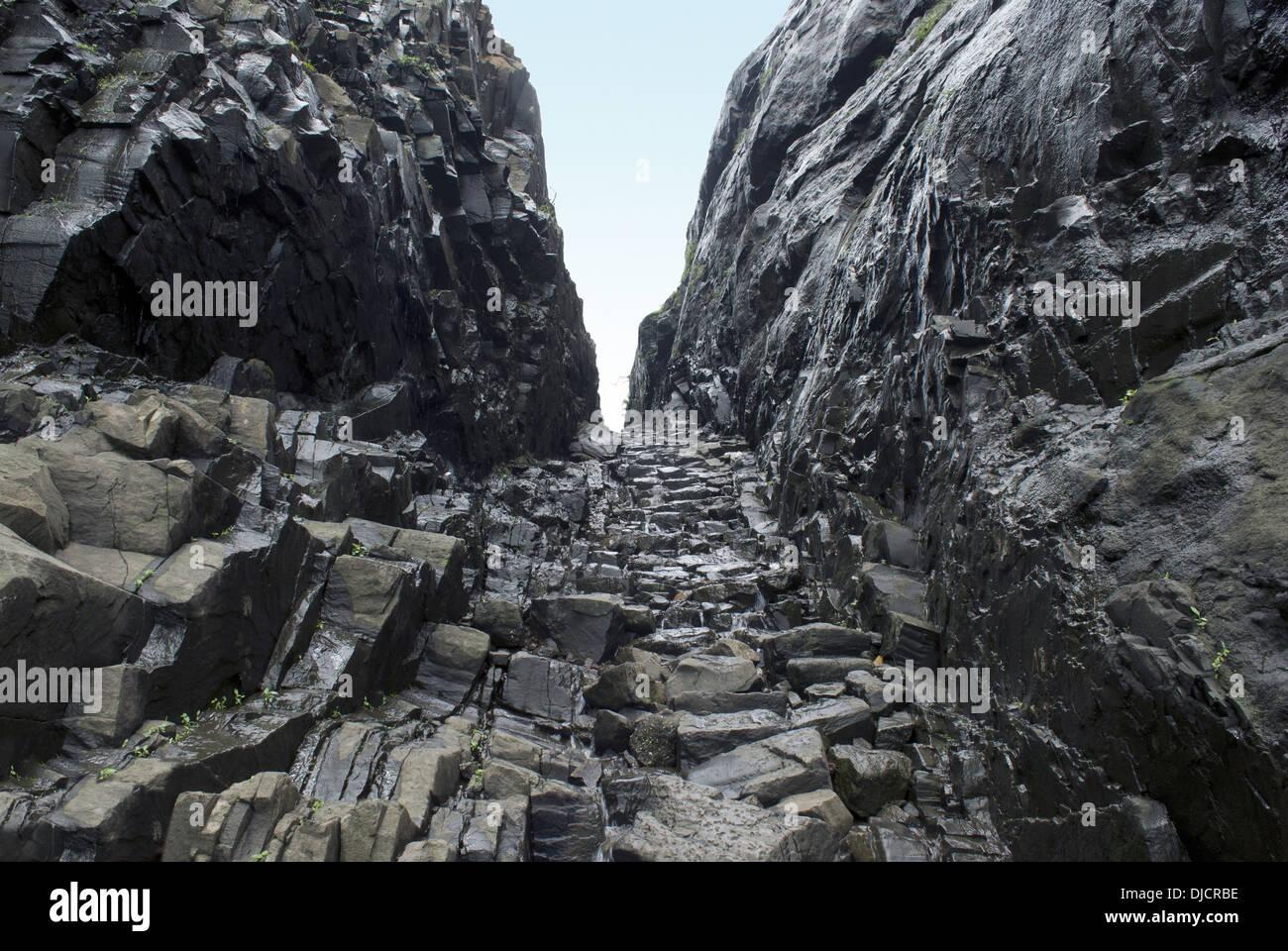 Naneghat un passo di montagna. I Ghati Occidentali intervallo vicino Junnar distretto di Pune, Maharashtra, India. Vista dal lato di Konkan Immagini Stock