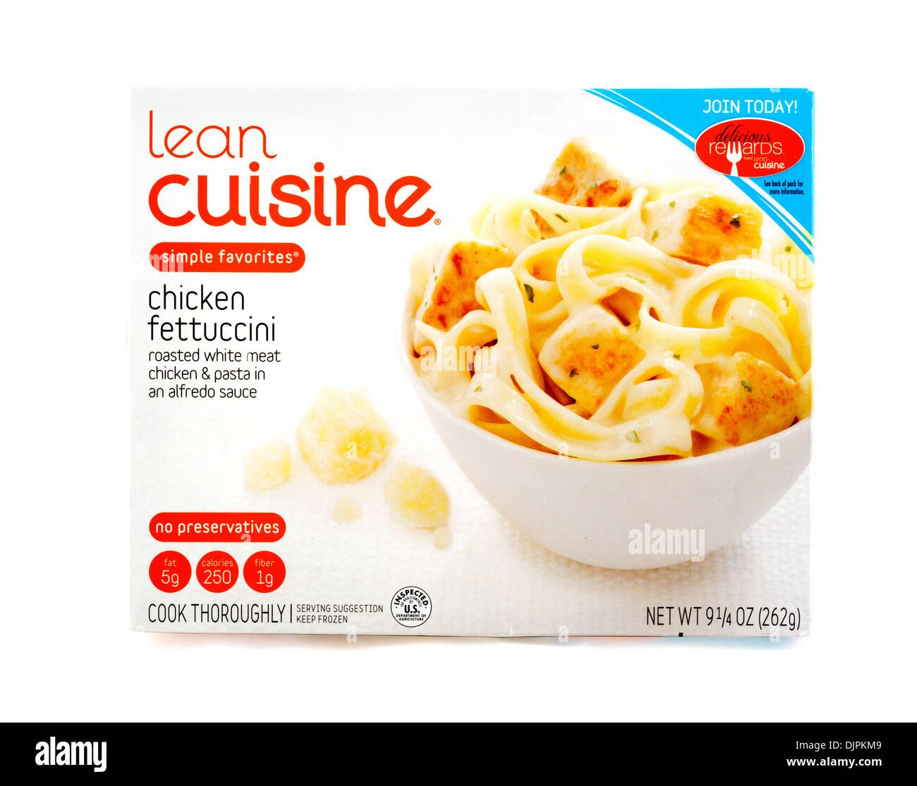 Cucina povera Fettucini di pollo a basso contenuto calorico congelati pasto pronto, STATI UNITI D'AMERICA Immagini Stock