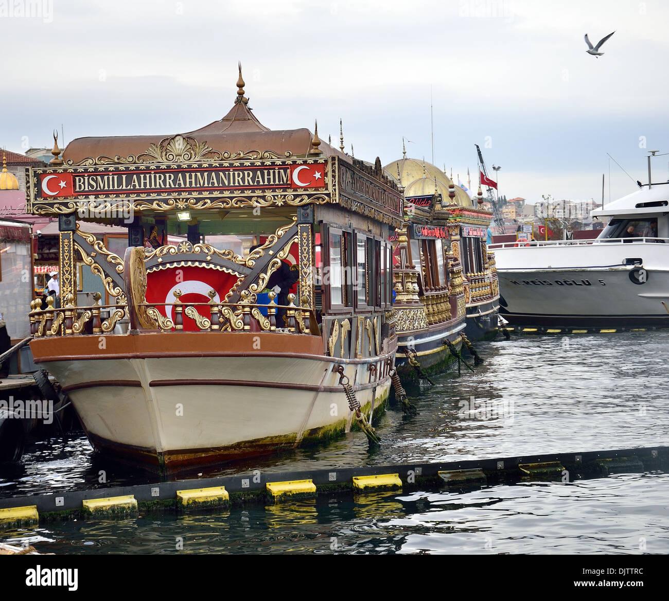 Tradizionali ristoranti di pesce in mare Immagini Stock