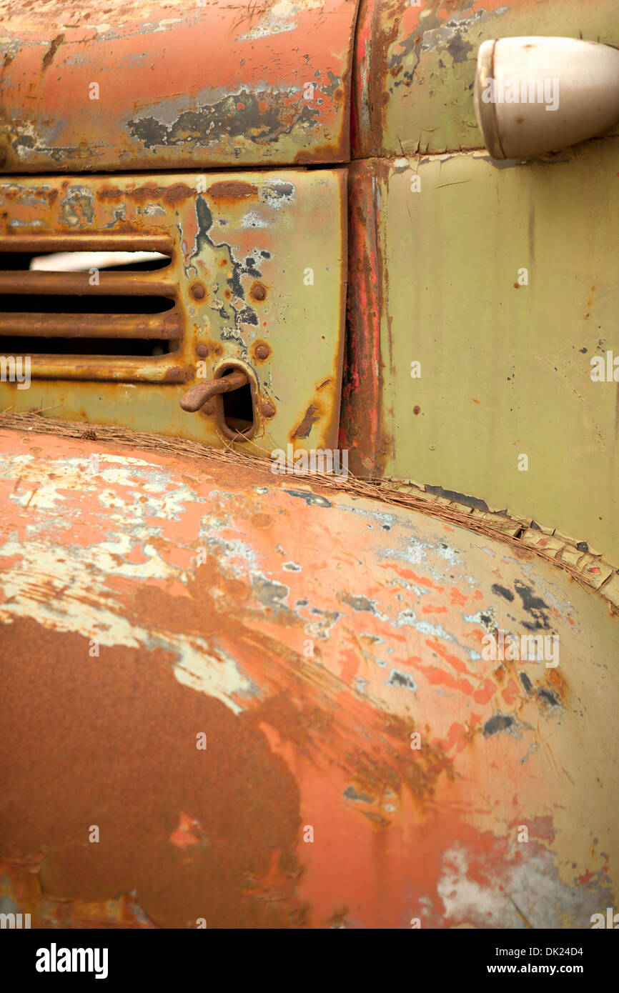Full frame close up dettaglio arrugginite carrello verde Immagini Stock