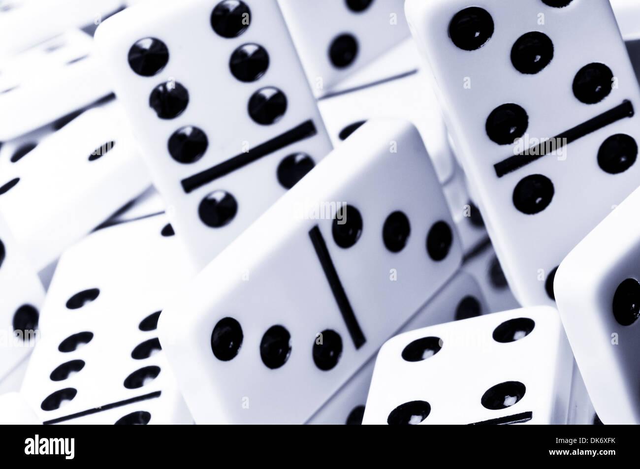 Bianco Avorio pezzi del domino sfondo Immagini Stock
