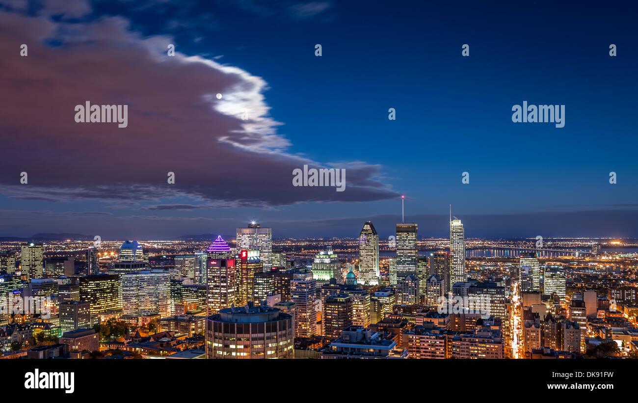 Vista aerea del Montreal skyline notturno. Immagini Stock