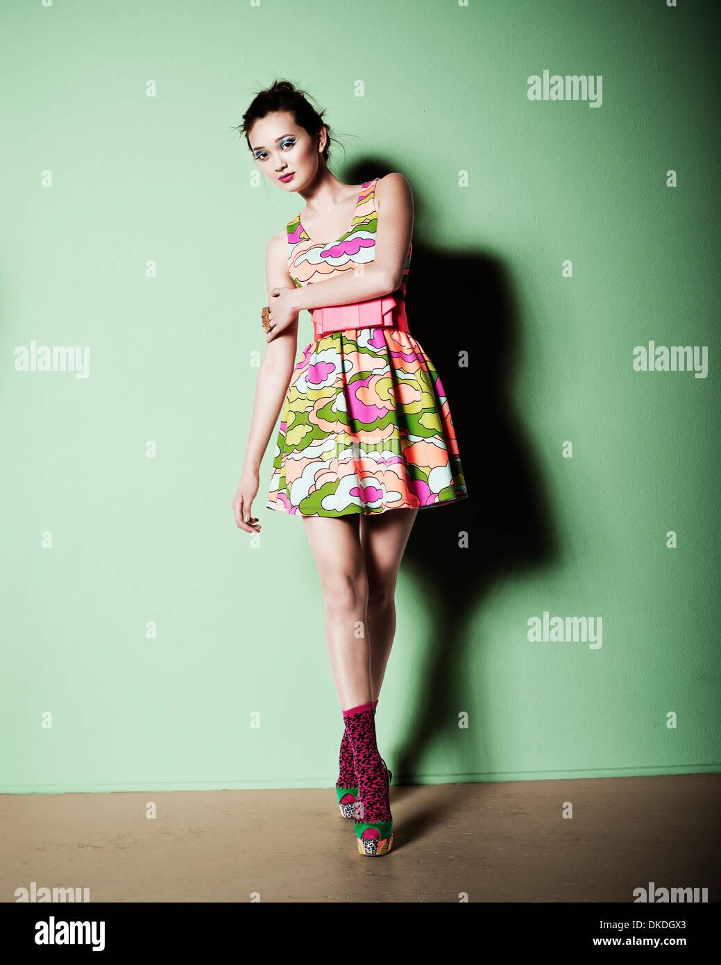 Colorato giovane lady modeling Immagini Stock
