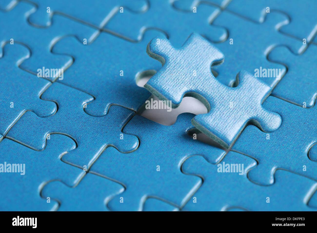 Pezzo finale di jigsaw soluzione problema argomento Immagini Stock
