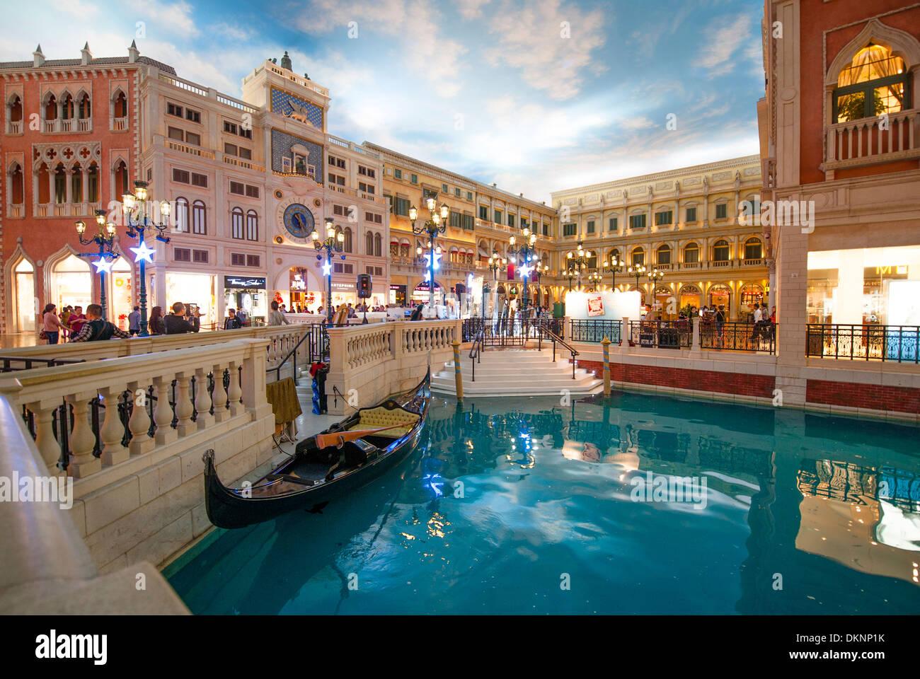 Piazza san marco del veneziano di macao shopping mall con for Negozi arredamento venezia