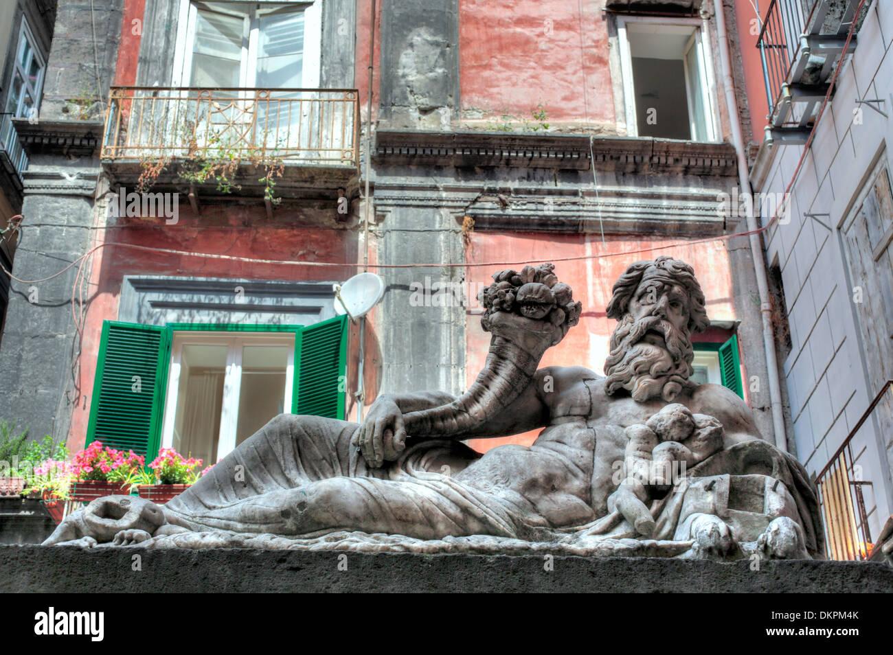 La scultura allegoria del fiume Nilo (II secolo), largo corpo di Napoli, Napoli, campania, Italy Immagini Stock