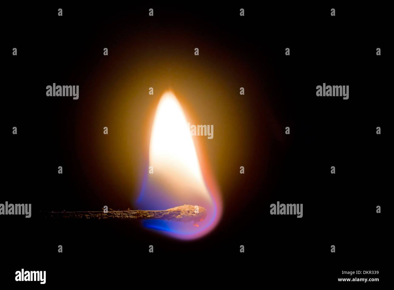 Luce, Kindle, masterizzare, dettaglio, individualmente, incendi, fiamma, candelette, calore, close-up, match, calore, caldo Immagini Stock