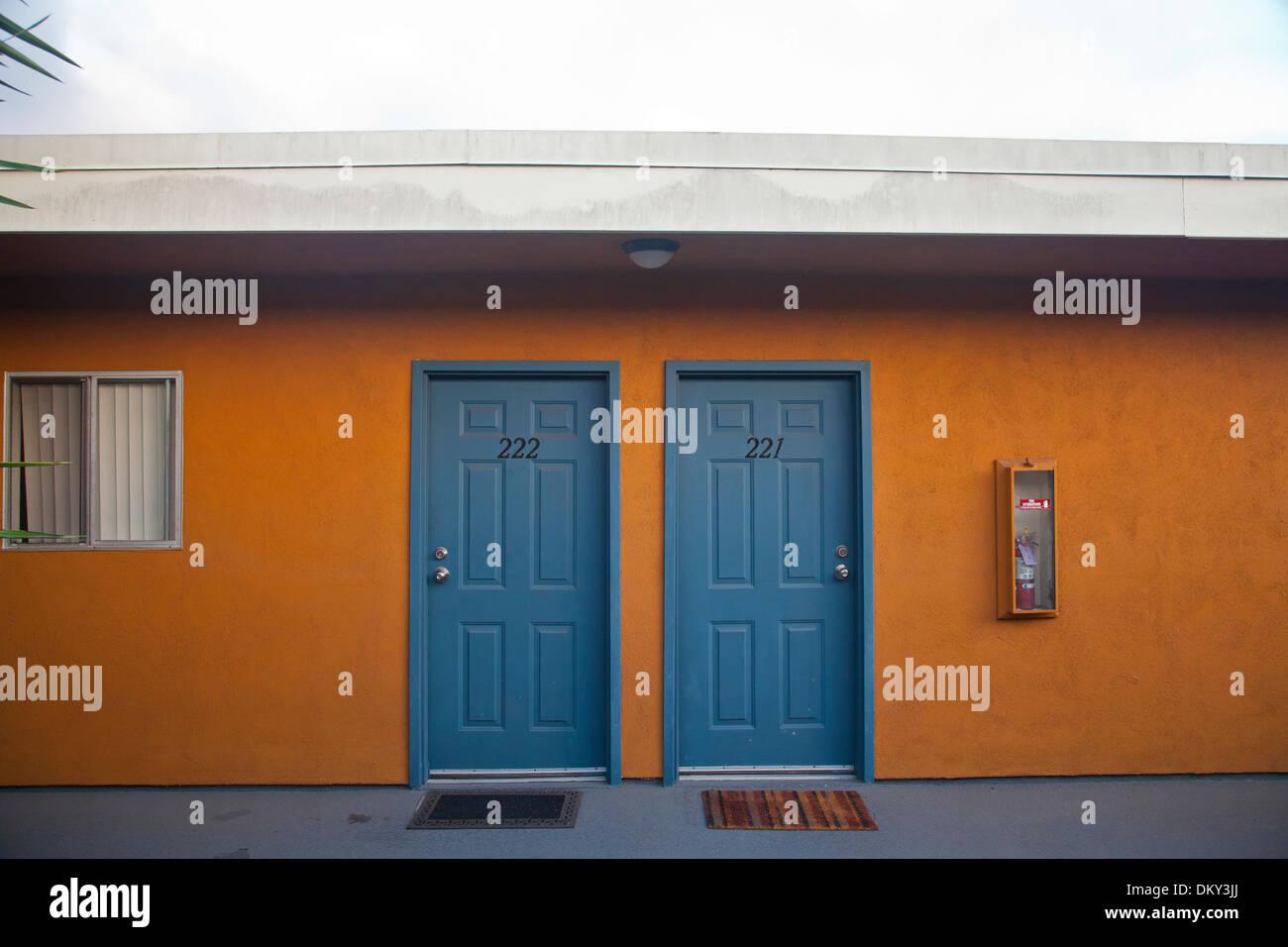 Appartamento porte, Culver City, nella contea di Los Angeles, California, Stati Uniti d'America Immagini Stock