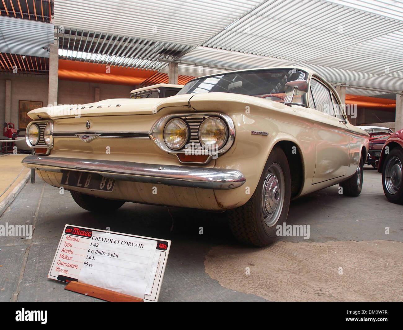 Maak een titel. 1962 Chevrolet Corvair 6cil 2,6L 95hp Immagini Stock