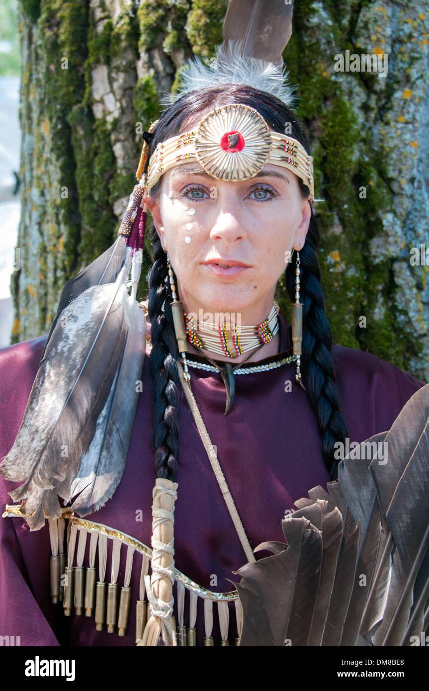 Donna indigena ritratto Nazione Mohawk di Kahnawake comunità native situato sulla riva sud del Quebec Montreal Canada Immagini Stock