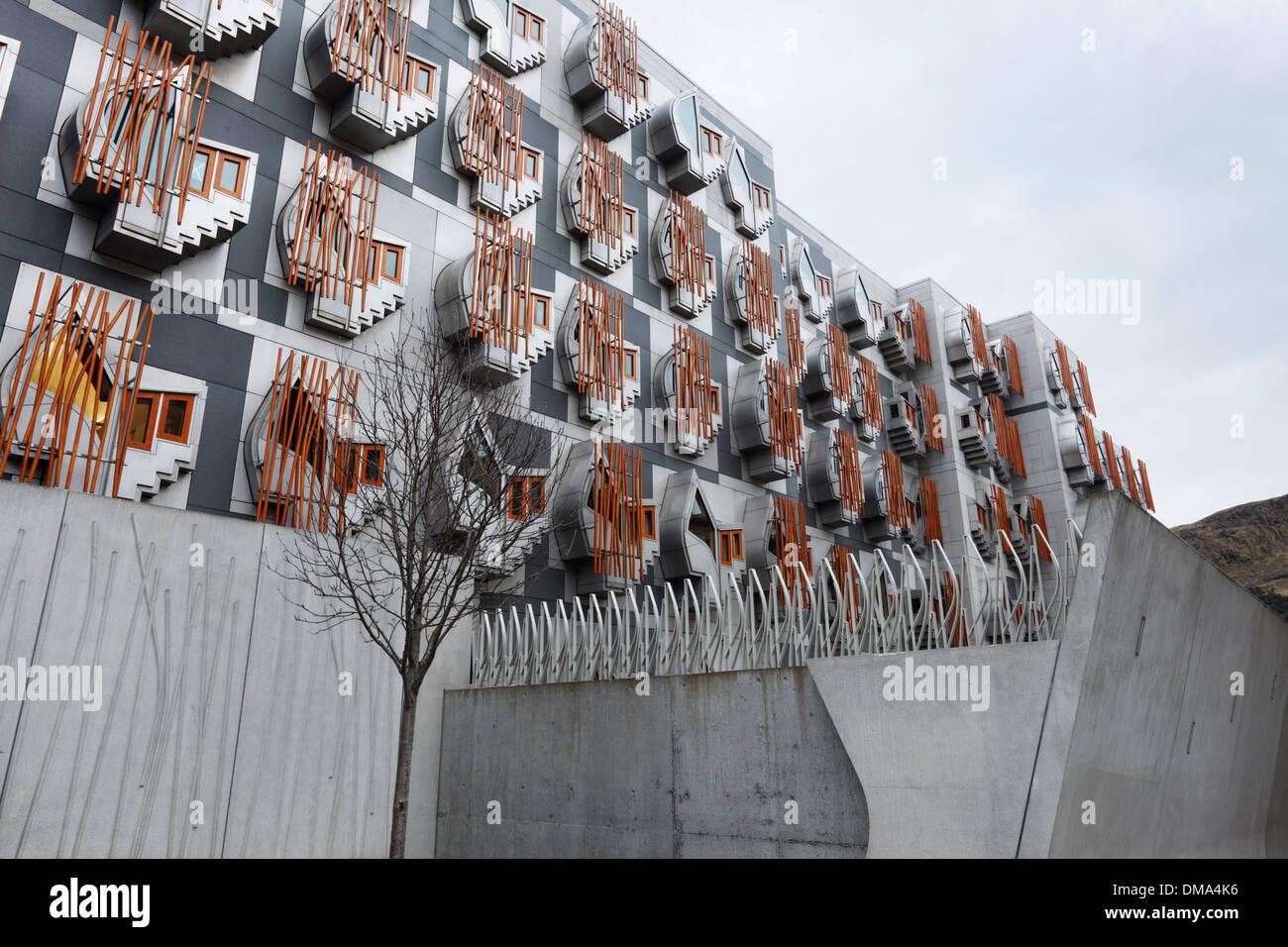 Dettagli architettonici. Il Parlamento scozzese di edifici. Holyrood. Edimburgo. Regno Unito. Foto Stock