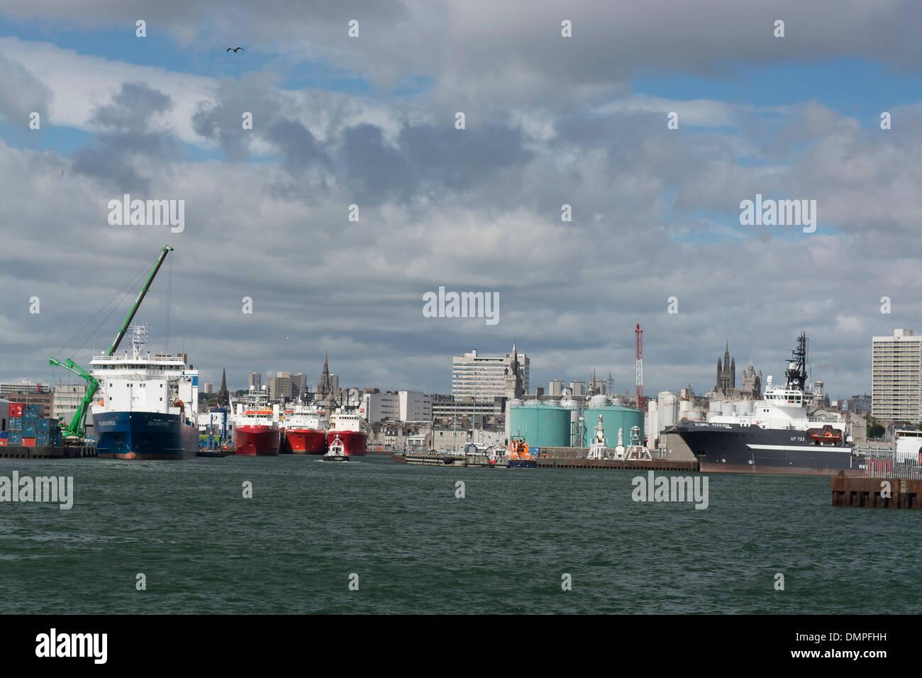 La pesca di ingegneria offshore Servizi di alimentazione dock sondaggio Immagini Stock