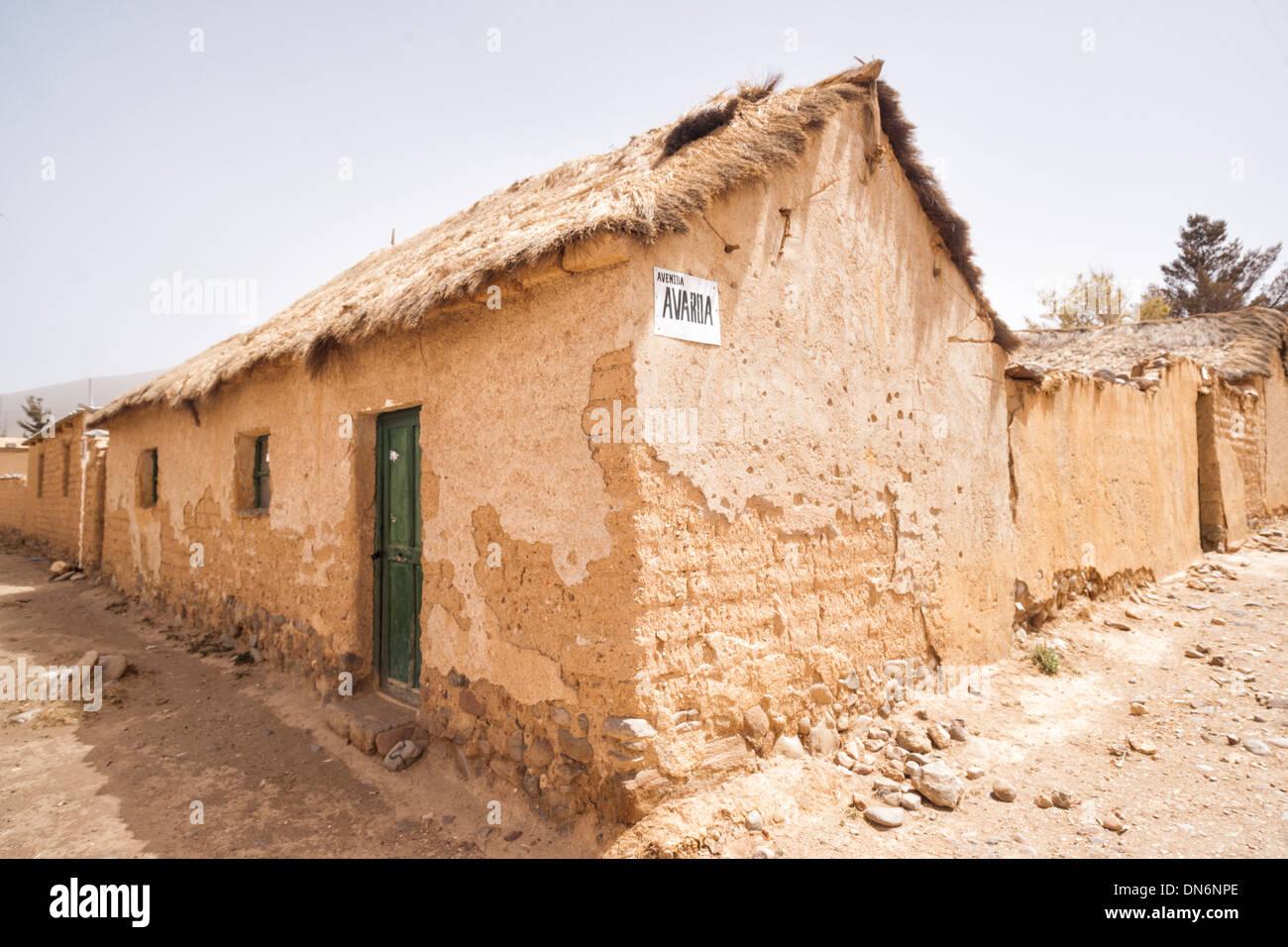 Case Di Mattoni Di Fango : Tradizionale in mattoni di fango e paglia case in a sudovest di