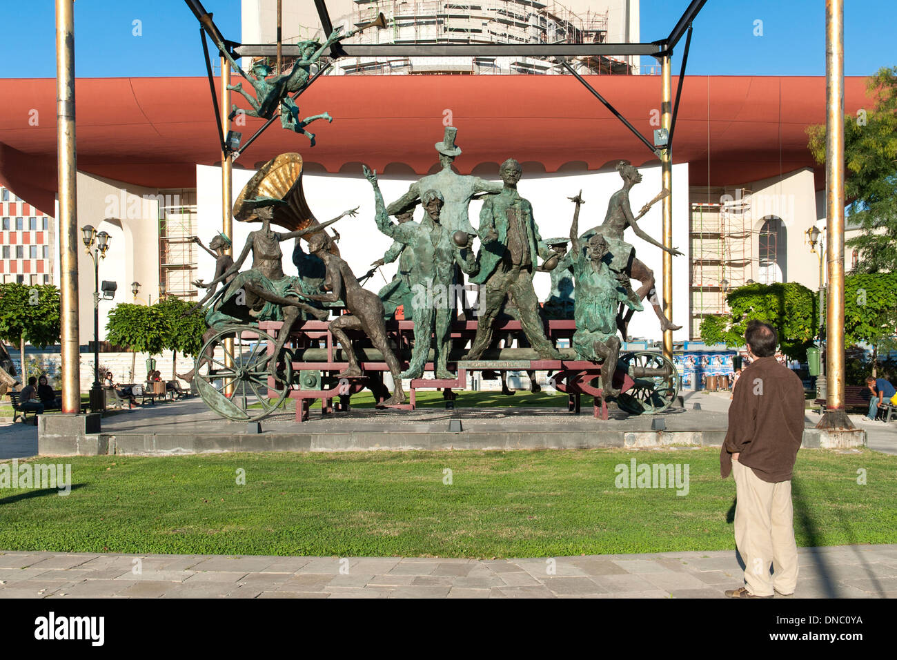 La Cu Caruta Paiate scultura in Bucarest, la capitale della Romania. Immagini Stock