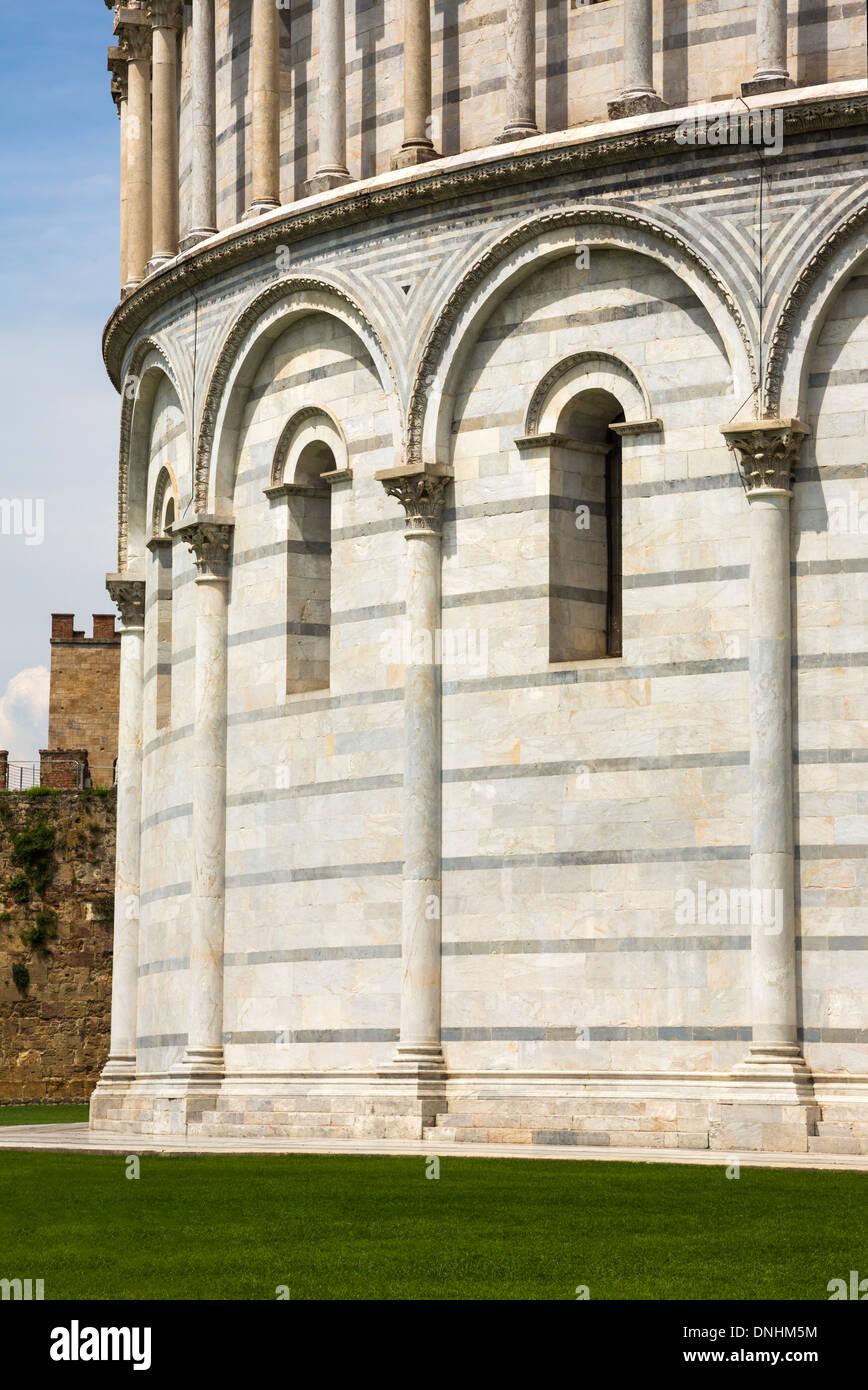 Battistero di San Giovanni, Piazza dei Miracoli a Pisa, Toscana, Italia Foto Stock