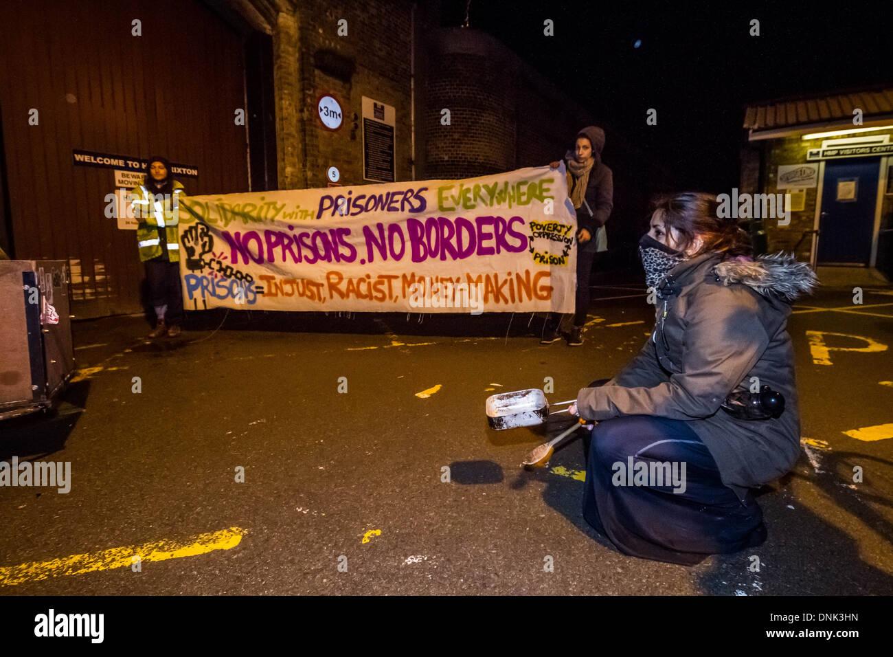 Capodanno Brixton HMP carcere solidarietà protesta a Londra, Regno Unito. Immagini Stock