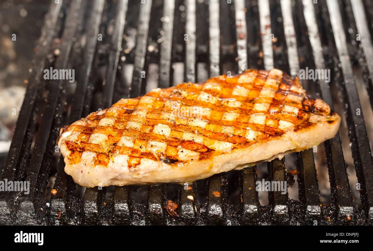 Cucinare Il Pesce Gatto Carne Alla Griglia Foto Immagine Stock