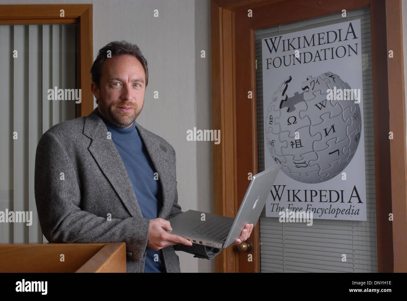 Ufficio Wikipedia : Jimmy wales founder wikipedia immagini & jimmy wales founder