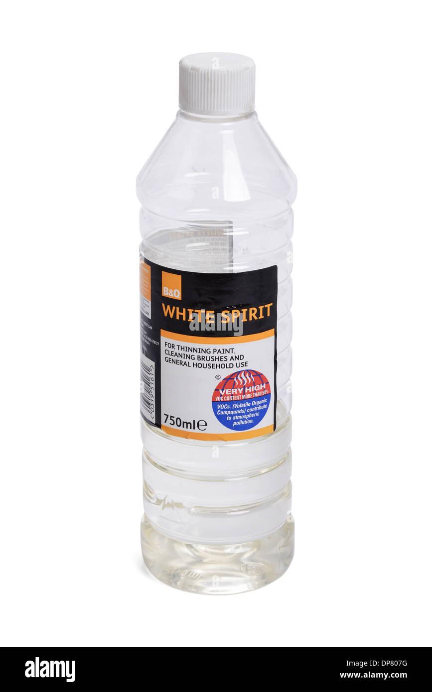 Una mezza bottiglia di Acquaragia Immagini Stock