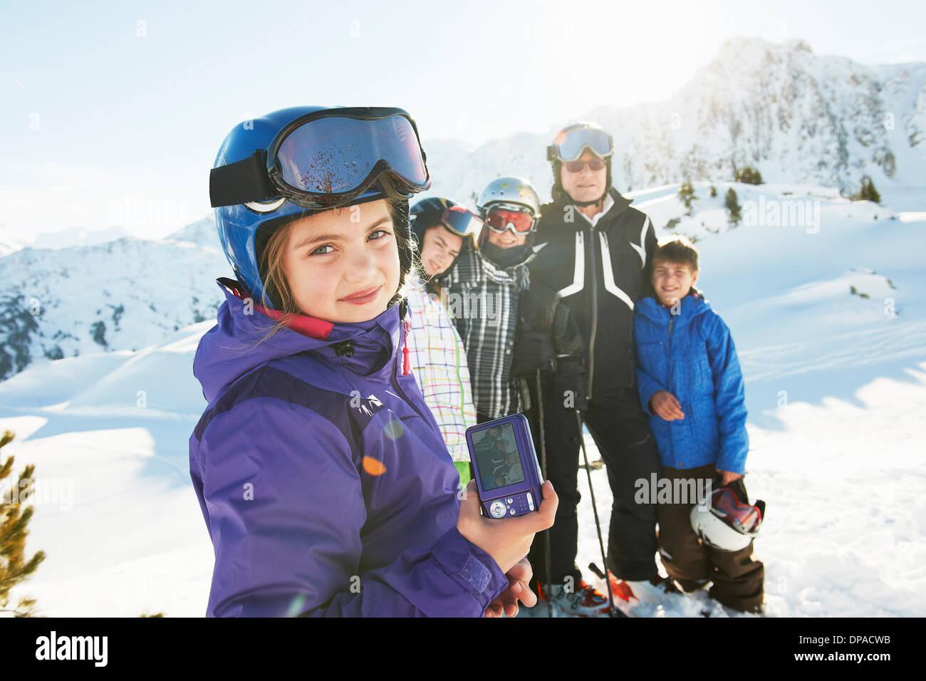 Famiglia di sciatori, Les Arcs, Alta Savoia, Francia Immagini Stock