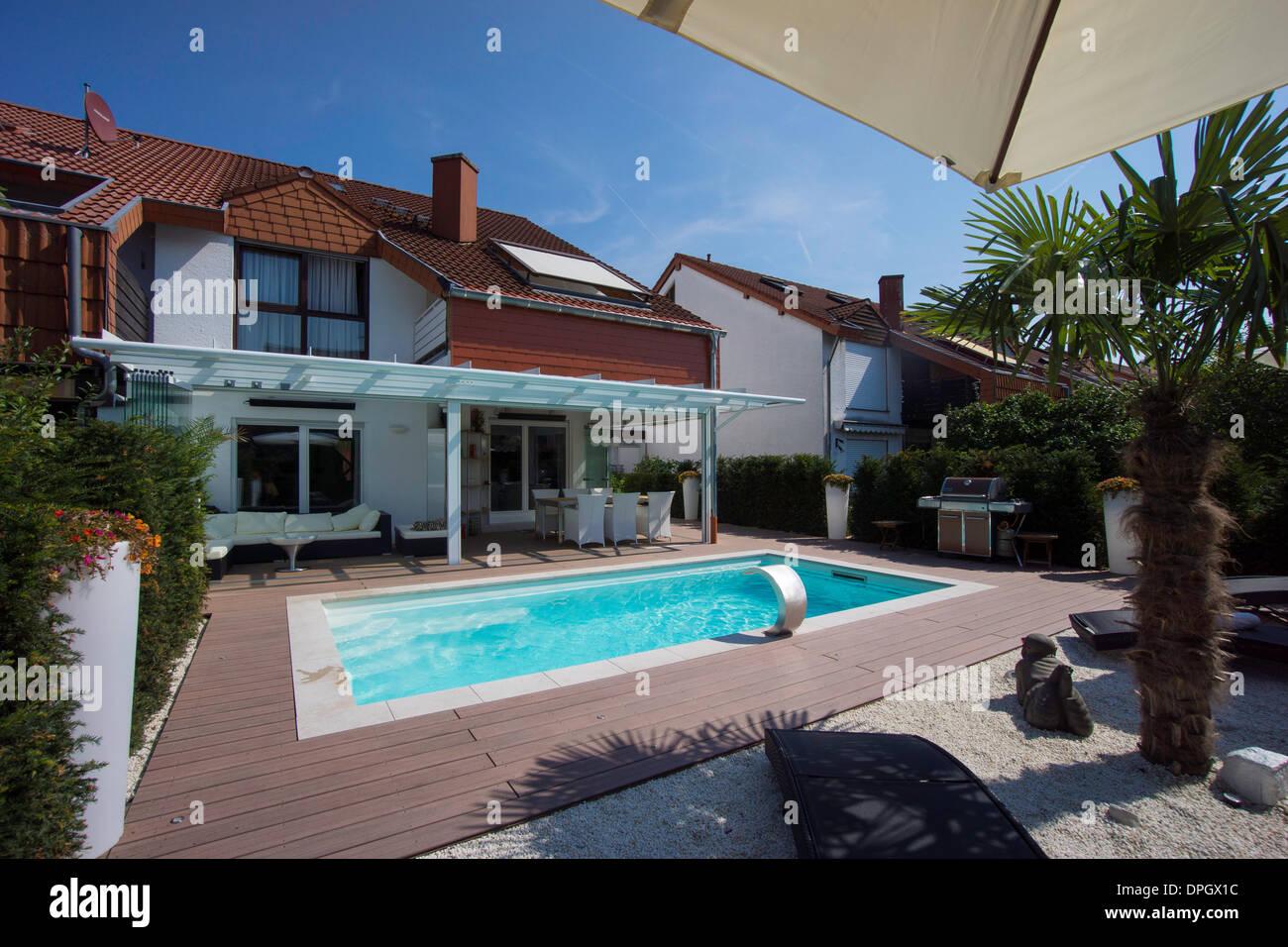 Giardino Dinverno In Casa : Privato casa a schiera con giardino giardino dinverno la piscina