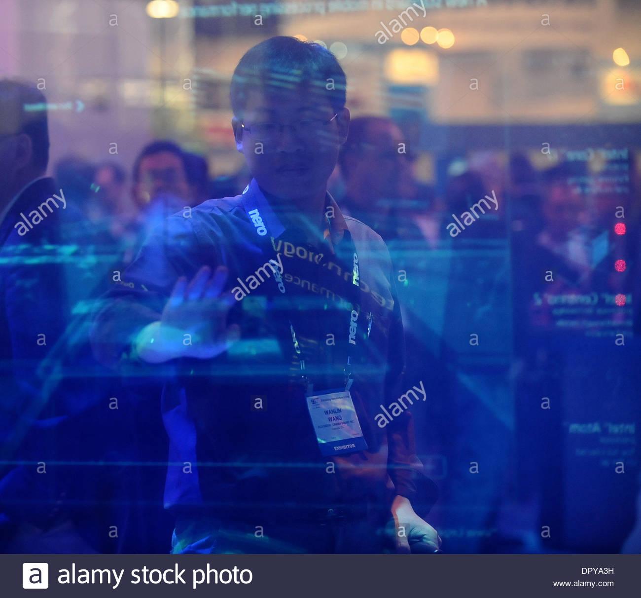 Jan 09, 2009 - Las Vegas, Nevada, Stati Uniti d'America - Intel mostra il loro processore Centrino 2 sul display durante la seconda giornata del 2009 Consumer Electronics Show (CES) in Las Vegas NV, Jan 9,2009. (Credito Immagine: © Gene Blevins/Los Angeles Daily News/ZUMA Premere) Restrizioni: * USA Tabloid diritti * Immagini Stock
